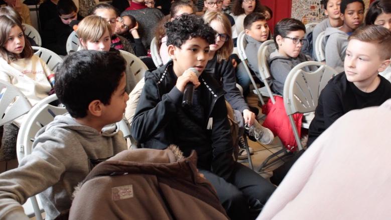 Le collectif lillois KIFKIF a participé à la création d'un atelier autour de l'expo-quiz junior « Égalité, parlons-en ! » qui a abouti à une représentation théâtrale.