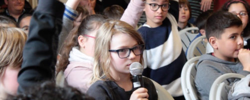 Il y a eu un débat de quarante-cinq minutes entre les élèves autour de l'expo-quiz junior « Égalité, parlons-en ! ».