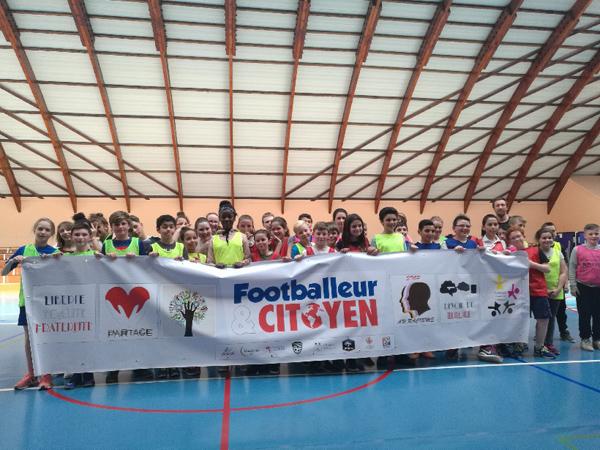 Mickael Seoudi, footballeur professionnel, éducateur de football et Président de Val de Sambre Foot Academy, nous en dit plus sur l'utilisation de cette expo-quiz® dans le cadre du tournoi « Footballeur & Citoyen ».