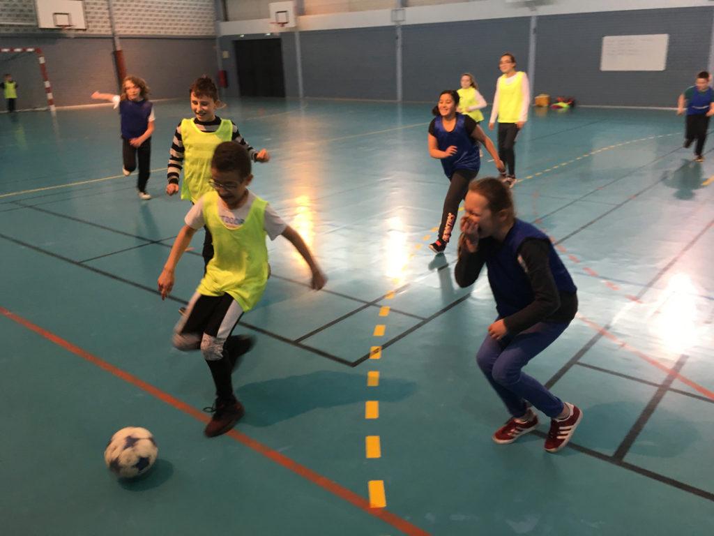 le football nous sert comme moyen d'accroche pour parler de citoyenneté avec les jeunes, et les expo-quiz® viennent alimenter cette dynamique éducative.