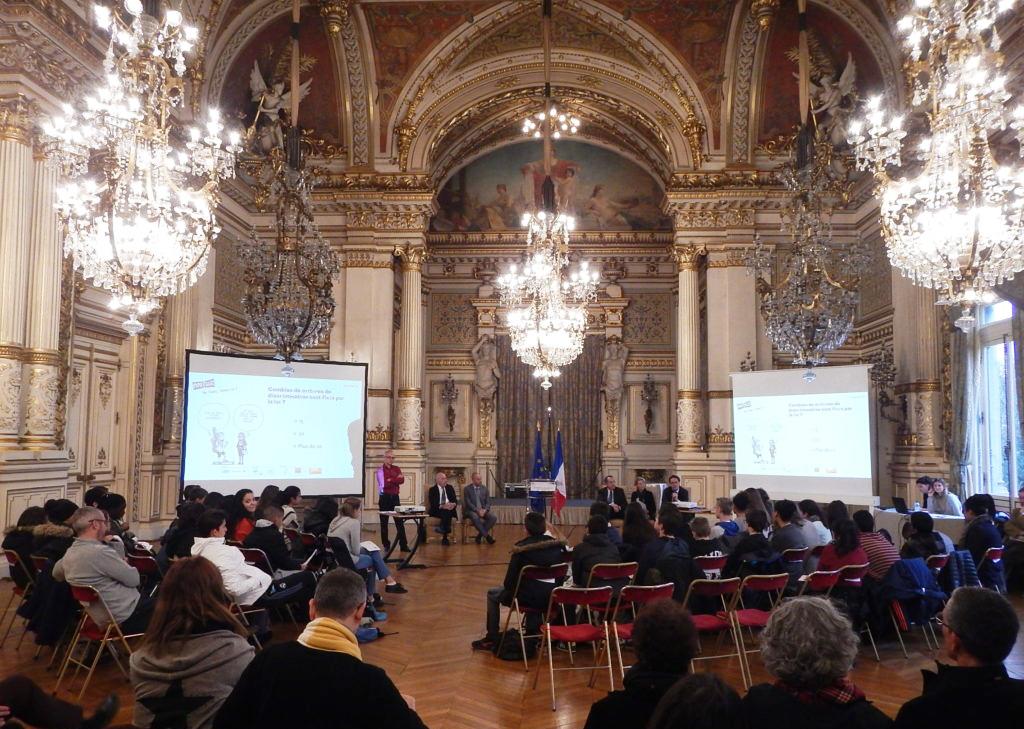 11L'association AIME / Le Moutard a lancé son nouvel outil « Ma France, parlons-en ! » à la préfecture de Lyon (Rhône) le 9 novembre 2016. La présentation de l'expo-quiz® s'est faite en présence de collégiens lyonnais venus du Collège Clémenceau (Lyon 7e) et du Collège Ampère (Lyon 2e).