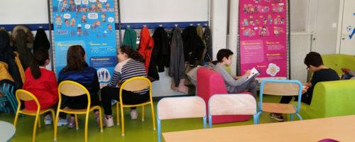 11Chantal de Kermel est chargée de projets Familles à la Direction Éducation Jeunesse de la Mairie de Valence (Drôme, 26). Celle-ci s'est dotée, fin 2017, de l'expo-quiz® junior « De l'école au collège, parlons-en ! ». Chantal de Kermel nous fait découvrir comment ce support est utilisé.